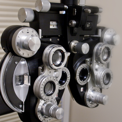 Eye exam machine